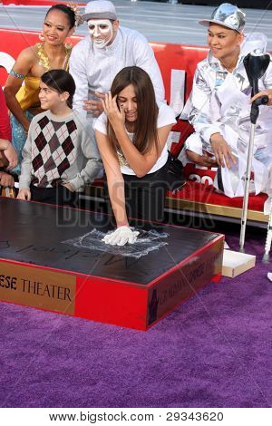 LOS ANGELES - JAN 26:  Blanket Jackson, Paris Jackson at the Michael Jackson Immortalized  Handprint and Footprint Ceremony at Graumans Chinese Theater on January 26, 2012 in Los Angeles, CA