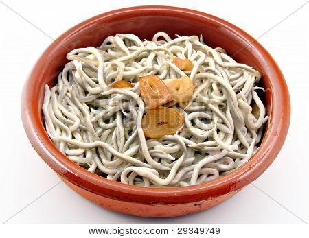 Eels in garlic casserole
