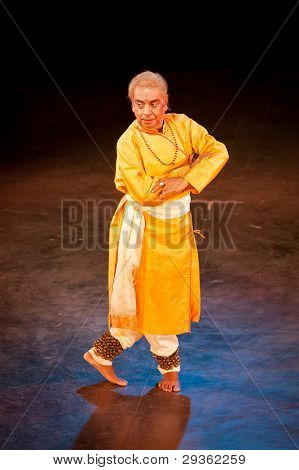 CHENNAI, INDIA - DECEMBER 28: Indian classical dance Kathak preformance by famous exponent Bhirju Maharaj on December 28, 2009 in Chennai, India
