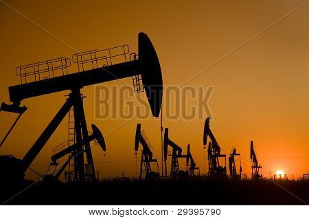 Oil well Silhouette