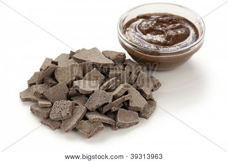 rhassoul, ghassoul, moroccan natural clay, used by body care