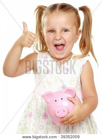 Das kleine Mädchen mit Sparbüchsen - Schwein und Ordnung zeigen. Es ist isoliert auf weißem Hintergrund