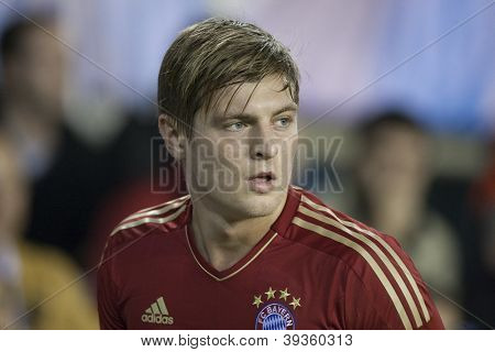 VALENCIA - NOVEMBER 20: Toni Kroos during UEFA Champions League match between Valencia CF and FC Bayer Munchen, on November 20, 2012, in Mestalla Stadium, Valencia, Spain