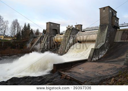 Spillway on hydroelectric power station