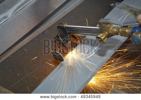 machine for cutting steel and sparks