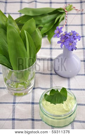 Wild garlic butter