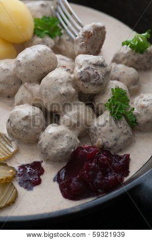 Meatballs Creamy Sauce