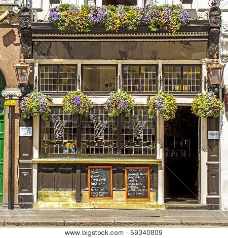 Facade of a typical pub, London, United Kingdom