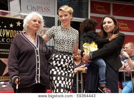 LOS ANGELES - MAY 01:  Scarlett Johansson & Family arrives to the Walk of Fame Ceremony for Scarlett Johansson  on May 01, 2012 in Hollywood, CA