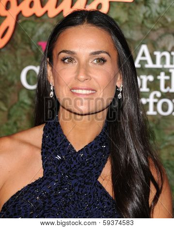LOS ANGELES - OCT 17:  Demi Moore arrives to the Wallis Annenberg Center for the Performing Arts Gala  on October 17, 2013 in Beverly Hills, CA