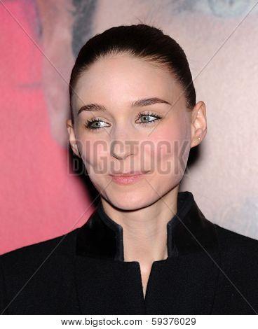LOS ANGELES - DEC 12:  Rooney Mara arrives to the