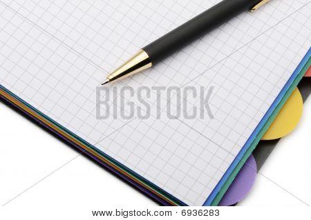 Notebook Organizer mit der stilvollen pen.color Lesezeichen