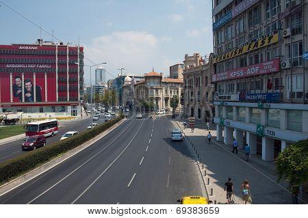 Cumhuriyet Boulevard in Izmir