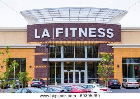 La Fitness Exterior
