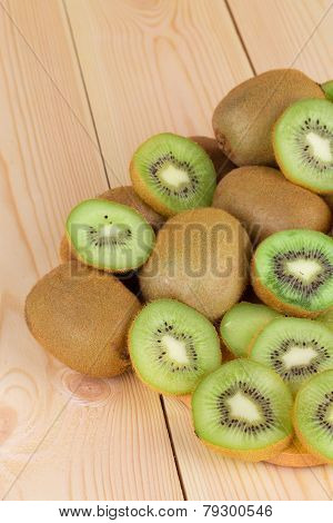 Kiwi in two halves
