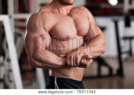 Bodybuilder Side Chest