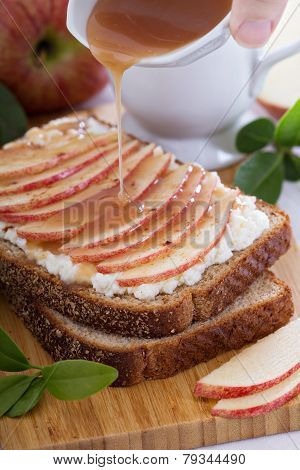 Open faced sandwich with ricotta and apple