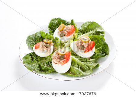 salad of letuce egg tuna and olive
