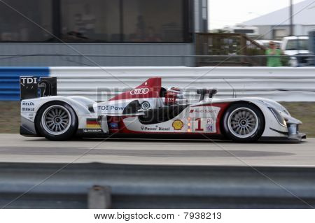 2009 Audi R15
