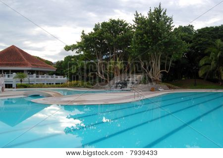 Mt. Malarayat golf e country club piscina