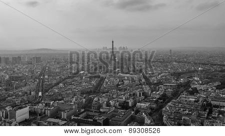 The eiffel tower before sunset