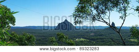 Hills and pasture of the Sunshine Coast hinterland.