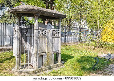 Public Toilet Historic