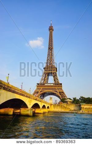 PARIS - SEP 08: Eiffel Tower at Paris downtown on September 08, 2014 in Paris, France. Paris, aka City of Love, is a popular travel destination and a major city in Europe