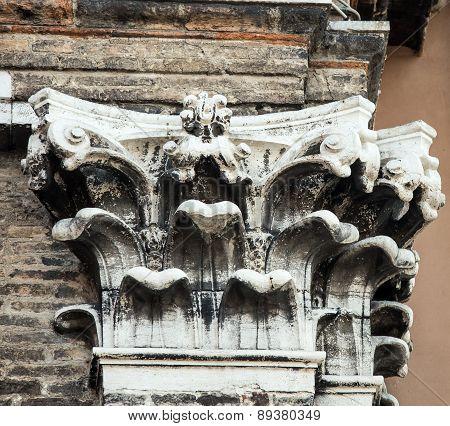 column venice