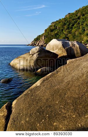 Stone In Thailand Kho Tao Bay Abstract Of A Blue L