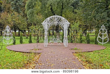 Gazebo and bench reconciliation