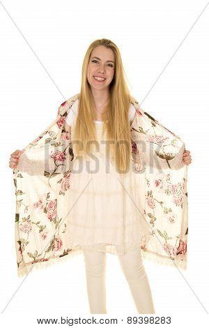 Woman Flower Shirt Long Hair Hold Shirt