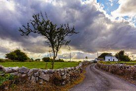 pic of irish  - Irish country house with road - JPG