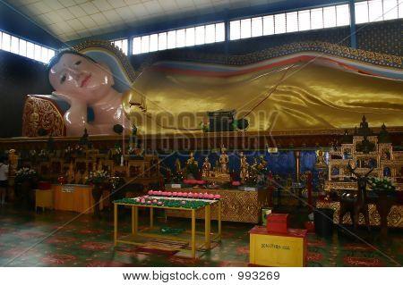 liegender Buddha-statue