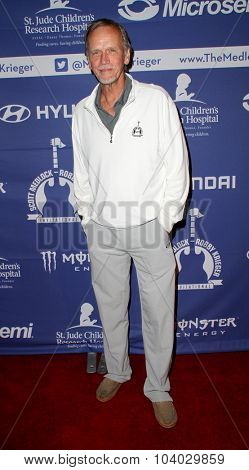 MOORPARK, CA - OCT 5: Sam Hennings arrives at the 8th Annual Medlock/Krieger Invitational Golf Concert at the Moorepark Country Club in Moorpark, CA on October 5, 2015.