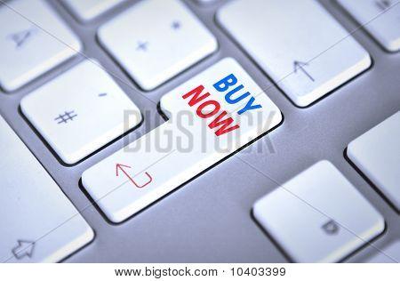 Botón de teclado - comprar ahora - equipo