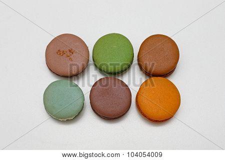 Six Macarons
