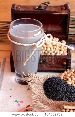 Soy Milk Mix Black Sesame With Soybean Seed And Black Sesame Seeds Dry.