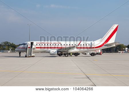 Embraer Erj-175Lr Of The Polish Government