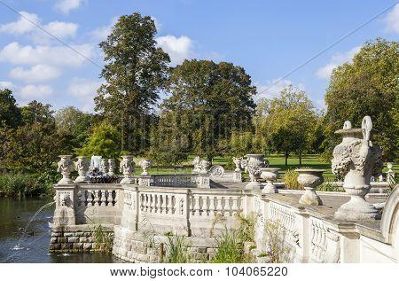 Italian Water Garden In Kensington Gardens