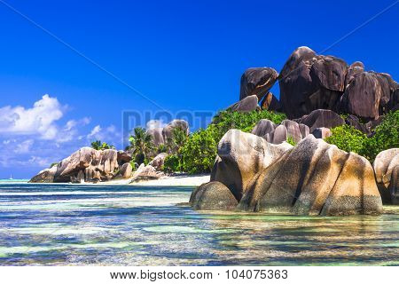 Anse source d'argent - impressive beautiful beach in La Digue is