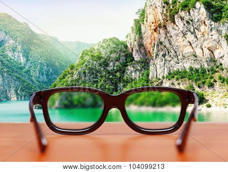 Eyeglasses in nature