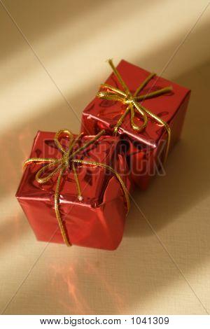 Presents 1Bsp