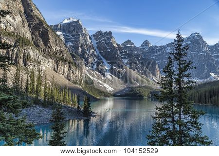 Canoe on Moraine Lake