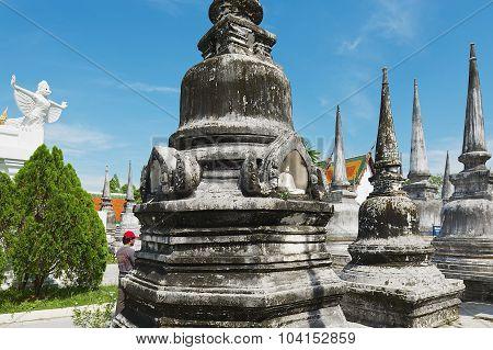 Tourist visis Chedi Phra Baromathat in Nakhon Sri Thammarat, Thailand.