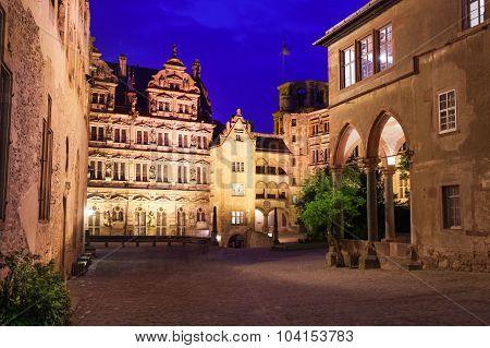 Inner yard view of Schloss Heidelberg at night