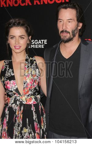 LOS ANGELES - OCT 7:  Ana de Armas, Keanu Reeves at the