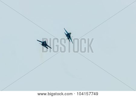 Two fighter SU-27 put bend