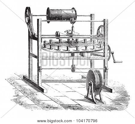 Weaving cover, vintage engraved illustration. Industrial encyclopedia E.-O. Lami - 1875.