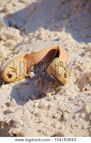 pair of straw women's shoe
